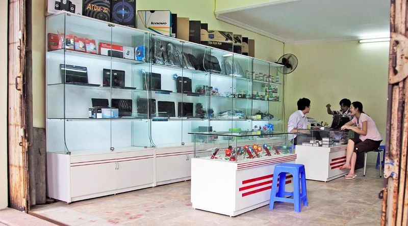 Hanoi Typical Computer Shop With One Demo Machine For Staff