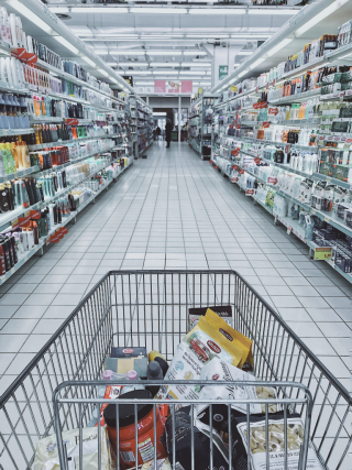 Aisle-business-cart-1005638